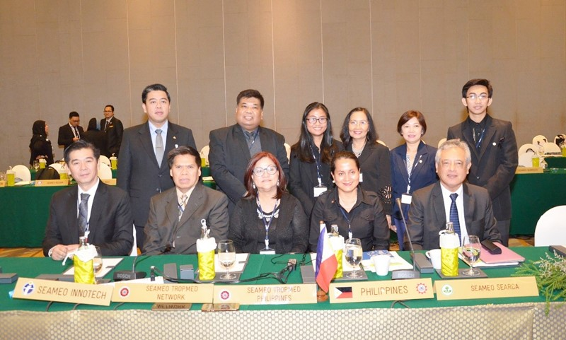 The SEARCA delegation joins representatives of other SEAMEO Centers in the Philippines during the 39th HOM.